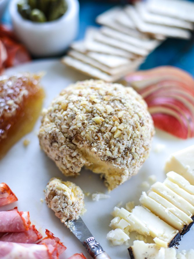 butternut squash cheeseball and a thanksgiving cheese board I howsweeteats.com