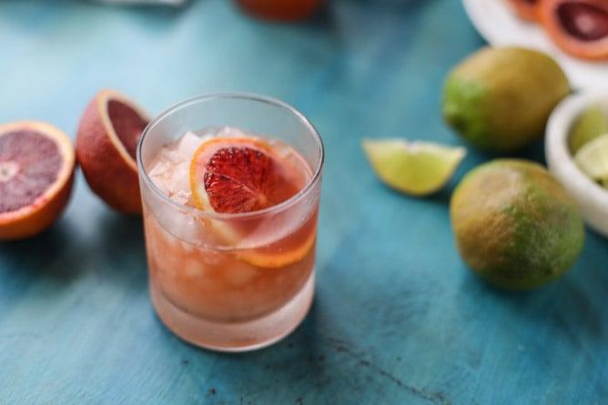 blood orange tequila fizz I howsweeteats.com