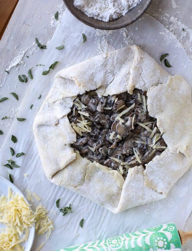 portobello mushroom galette with gruyere thyme crust I howsweeteats.com