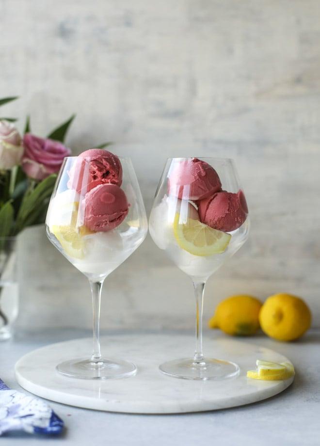 lemon raspberry prosecco floats I howsweeteats.com