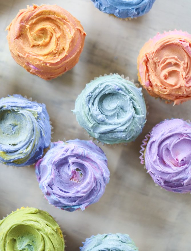 olive oil cupcakes with mascarpone buttercream I howsweeteats.com