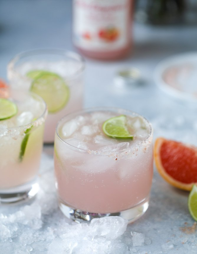 grapefruit lime spritzers (a mocktail!) I howsweeteats.com