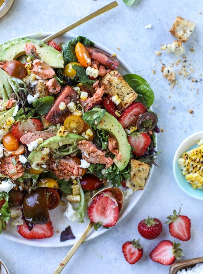 salmon strawberry panzanella salad I howsweeteats.com