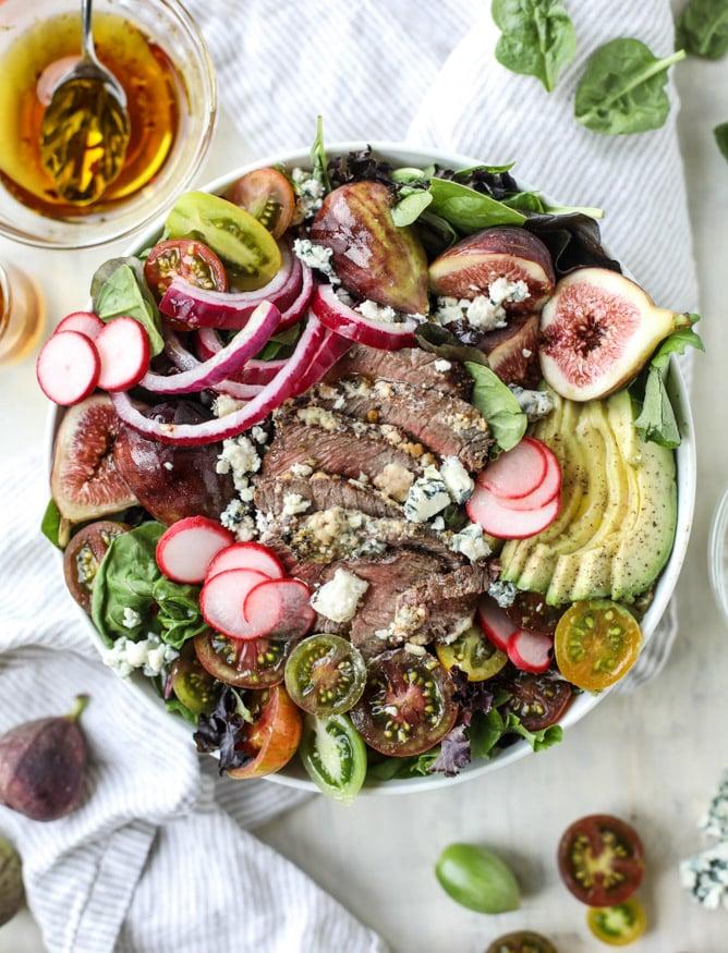 gorgonzola crusted steak salads I howsweeteats.com