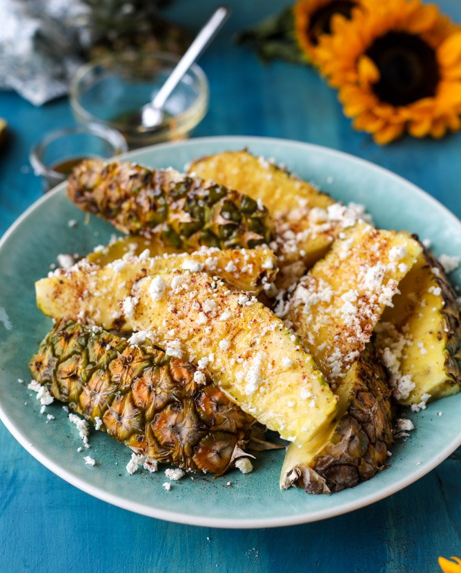 hot honey pineapple wedges I howsweeteats.com