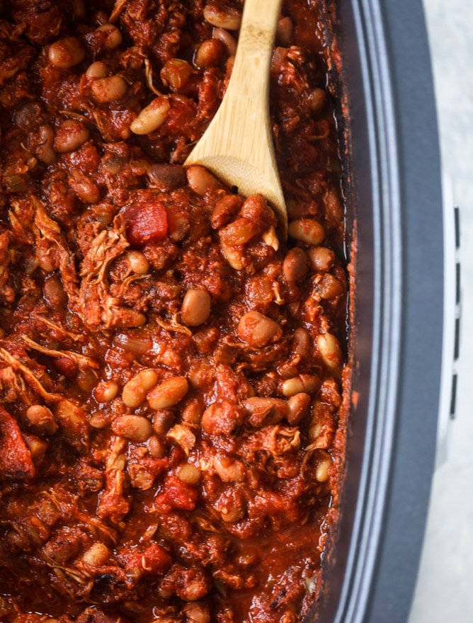 slow cooker buffalo chicken chili I howsweeteats.com