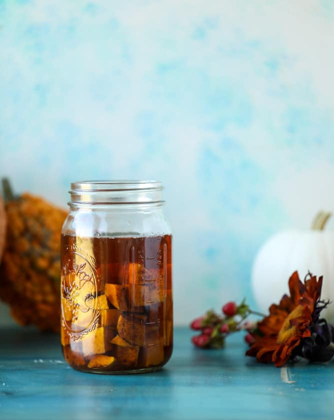butternut squash infused bourbon I howsweeteats.com #thanksgiving #cocktails