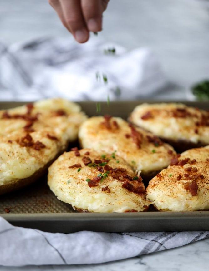 greek yogurt twice baked potatoes I howsweeteats.com #potatoes #twicebaked #sidedish #christmas #holiday