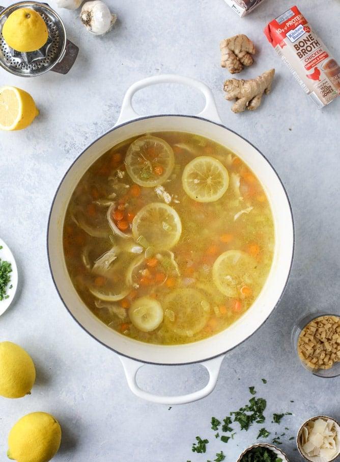 easy lemon chicken soup I howsweeteats.com #soup #chicken #chickennoodlesoup #lemon #recipes #healthy