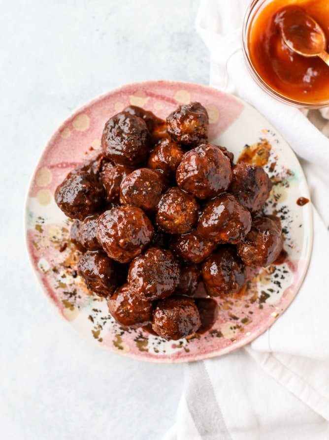 slow cooker chipotle maple meatballs I howsweeteats.com #slowcooker #meatballs #turkey #maple #chipotle