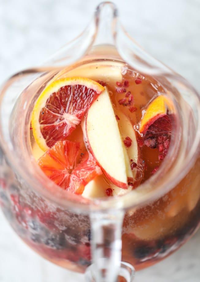 kombucha sangria I howsweeteats.com #kombucha #sangria #cocktails
