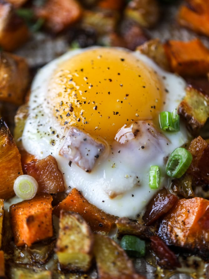sheet pan breakfast I howsweteats.com #breakfast #sheetpan #sweetpotato #eggs #bacon