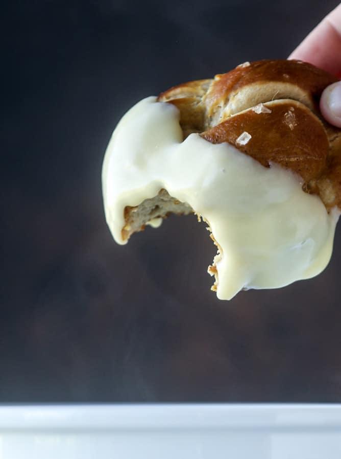 guinness soft pretzels with irish cheddar fondue I howsweeteats.com #softpretzels #fondue #irishcheddar #saintpatricksday #stpatricksday
