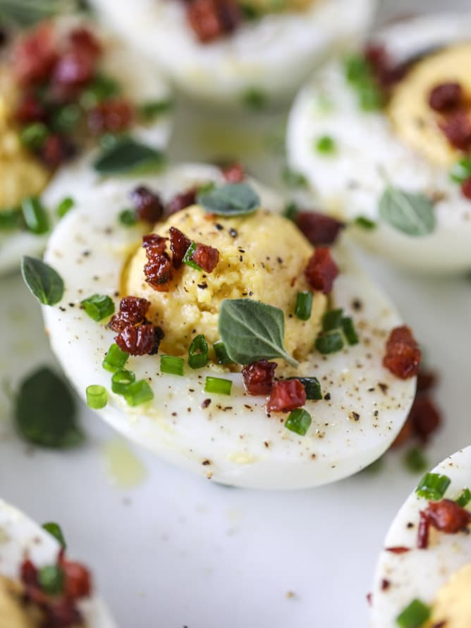 french onion deviled eggs I howsweeteats.com #deviledeggs #frenchonion #easter #egg #recipes