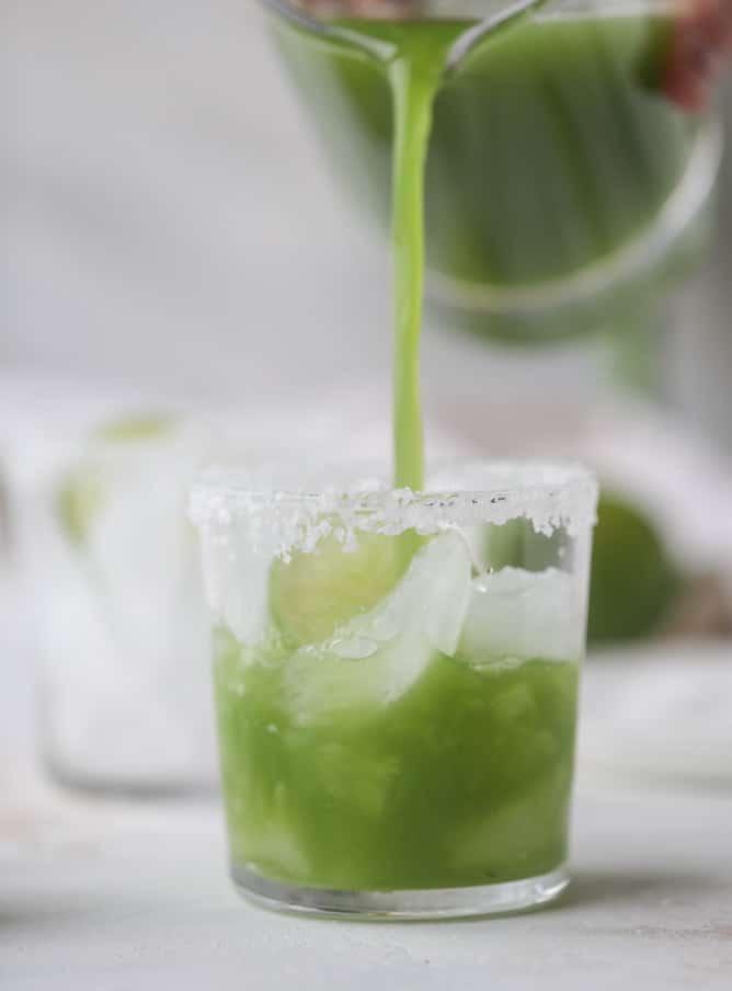 golden green goddess margaritas I howsweeteats.com #greengoddess #margaritas #saintpatricksday #cocktails #golfleaf