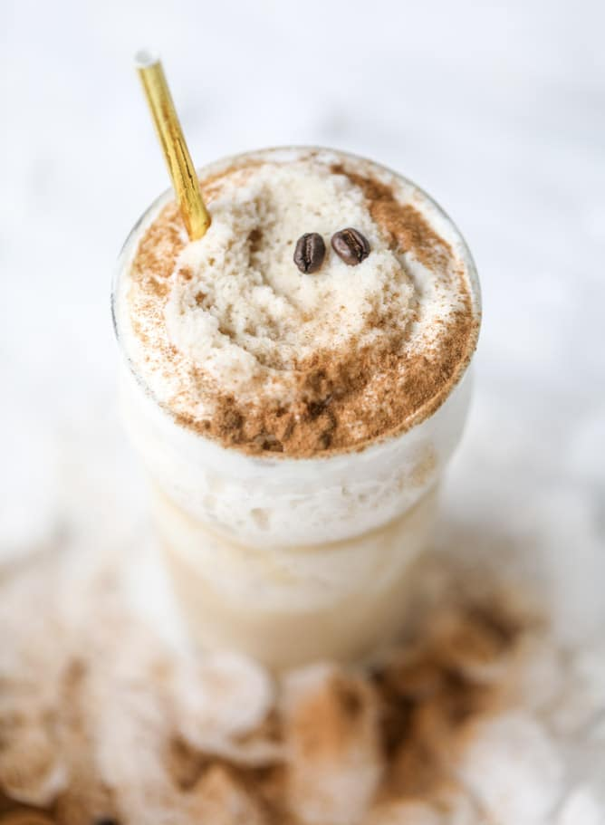 frozen irish cream cappuccinos I howsweeteats.com #coffee #frappuccino #cappuccino #frozen #irishcream #baileys