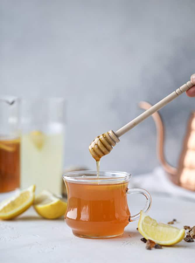 homemade starbucks medicine ball I howsweeteats.com #medicinball #tea #starbucks #citrushoneytea