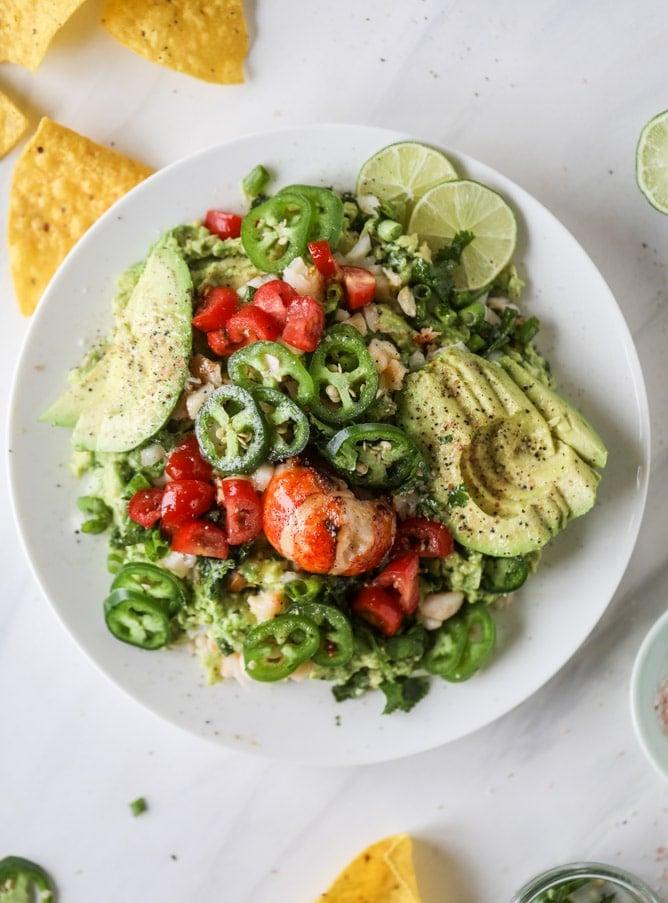 lobster guacamole I howsweeteats.com #lobster #guacamole #avocado #seafood #dip