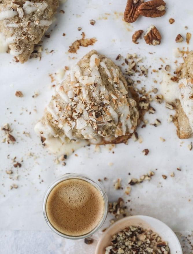 hummingbird cake scones I howsweeteats.com #scones #hummingbird #cake #breakfast #pineapple #coconut #banana