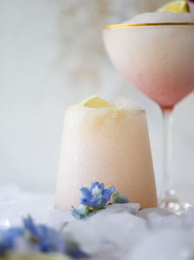 lemonade froze - lemonade frosé I howsweeteats.com #rosé #rose #lemonade #froze #frosé #cocktails