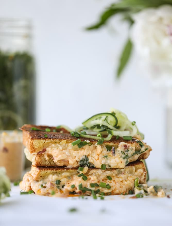 pimento cheese grilled cheese I howsweeteats.com #pimentocheese #grilledcheese #pickles #kentuckyderby