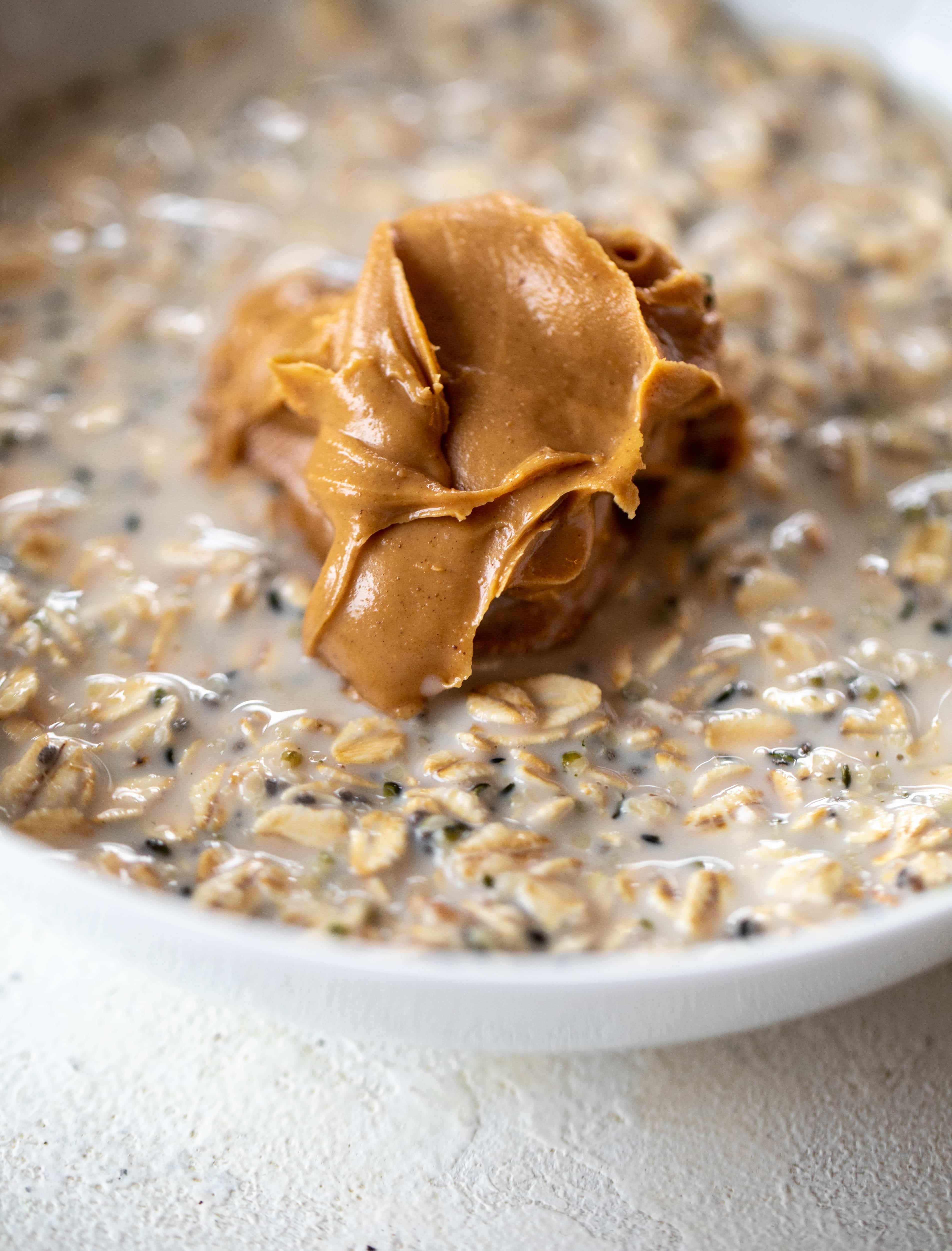 These peanut butter overnight oats are my favorite breakfast! Top with 5 minute grain free chocolate granola and it's the best combo ever.
