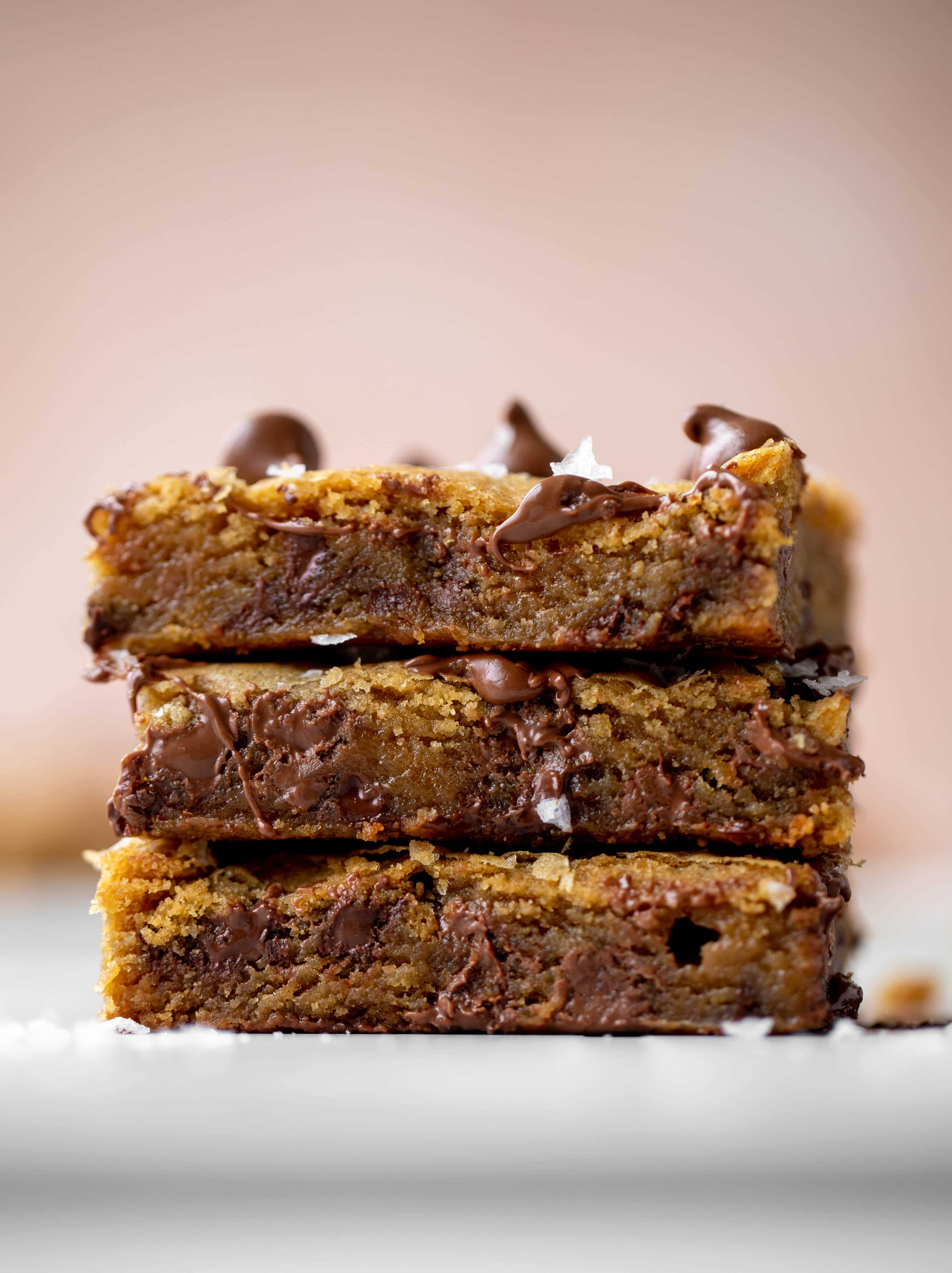 These brown butter chocolate chip cookie bars are chewy, chocolately and sprinkled with flaky salt. What else do you need in life?!