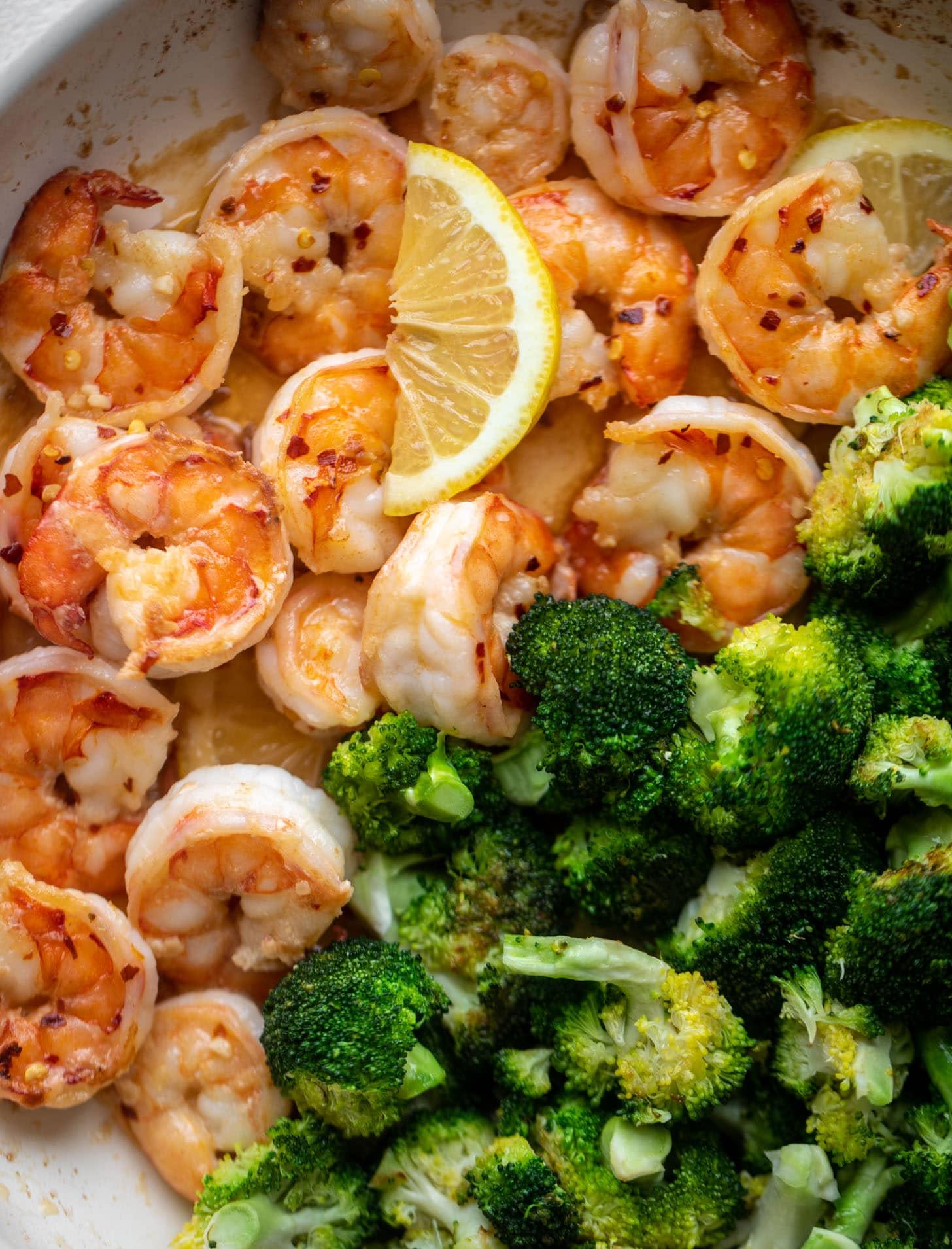 lemon butter shrimp and broccoli skillet