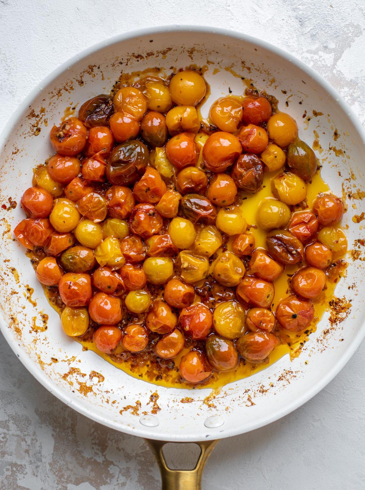 burst tomatoes and garlic